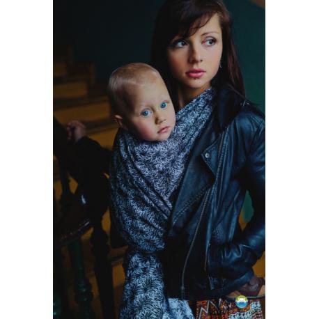 Little FROG Žakárová tkaná šatka na nosenie detí - Black Charm