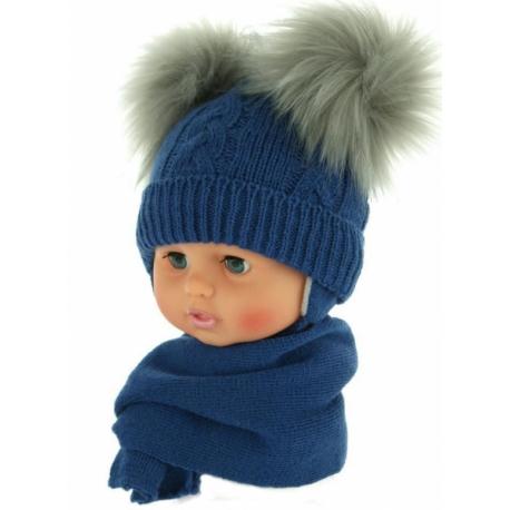Zimná čiapočka s šálom - chlupáčkové bambuľky - tm. modrá